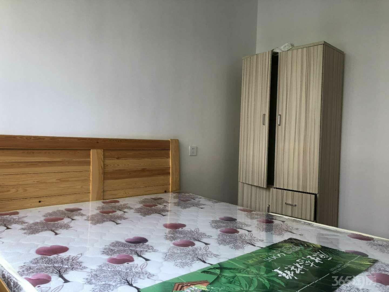 金辉浅湾雅苑4室2厅2卫142.3平米整租精装