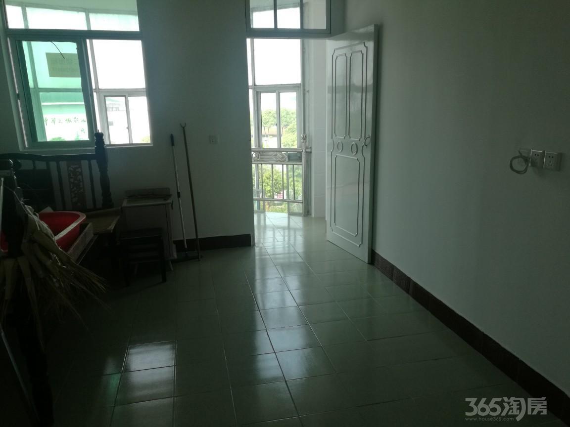 位于大冈镇初中对面三层整租4室1厅1卫110平米整租豪华装
