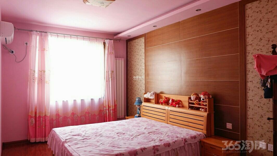 太阳城绿萱园3室2厅2卫180平米2005年产权房精装
