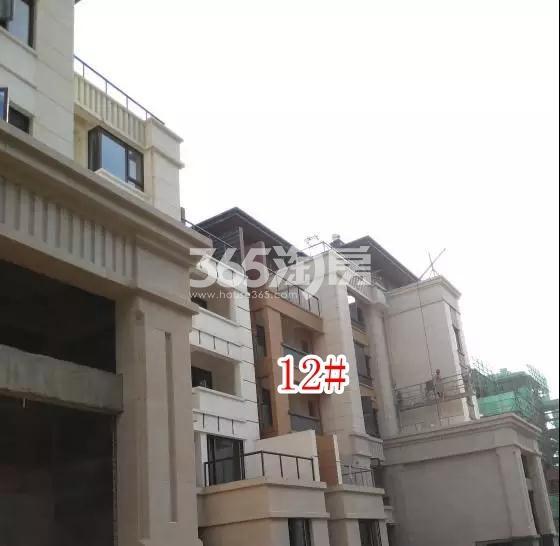 蓝光雍锦园洋房12#楼实景图(2018.8 摄)