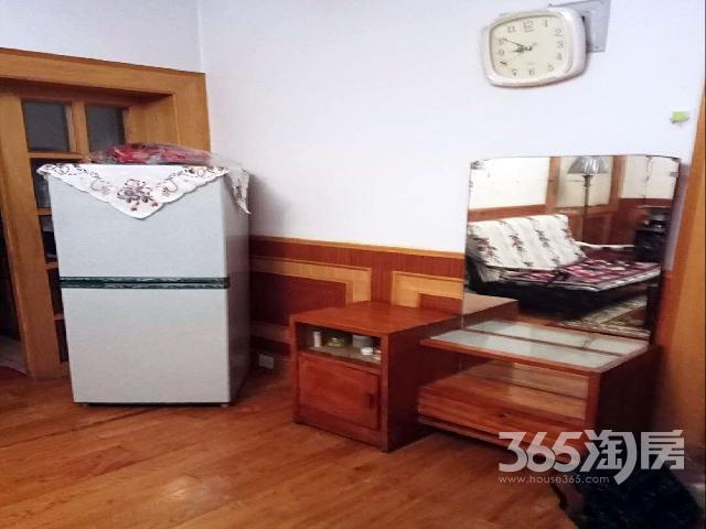 兰翔新村2室1厅1卫64�O整租中装