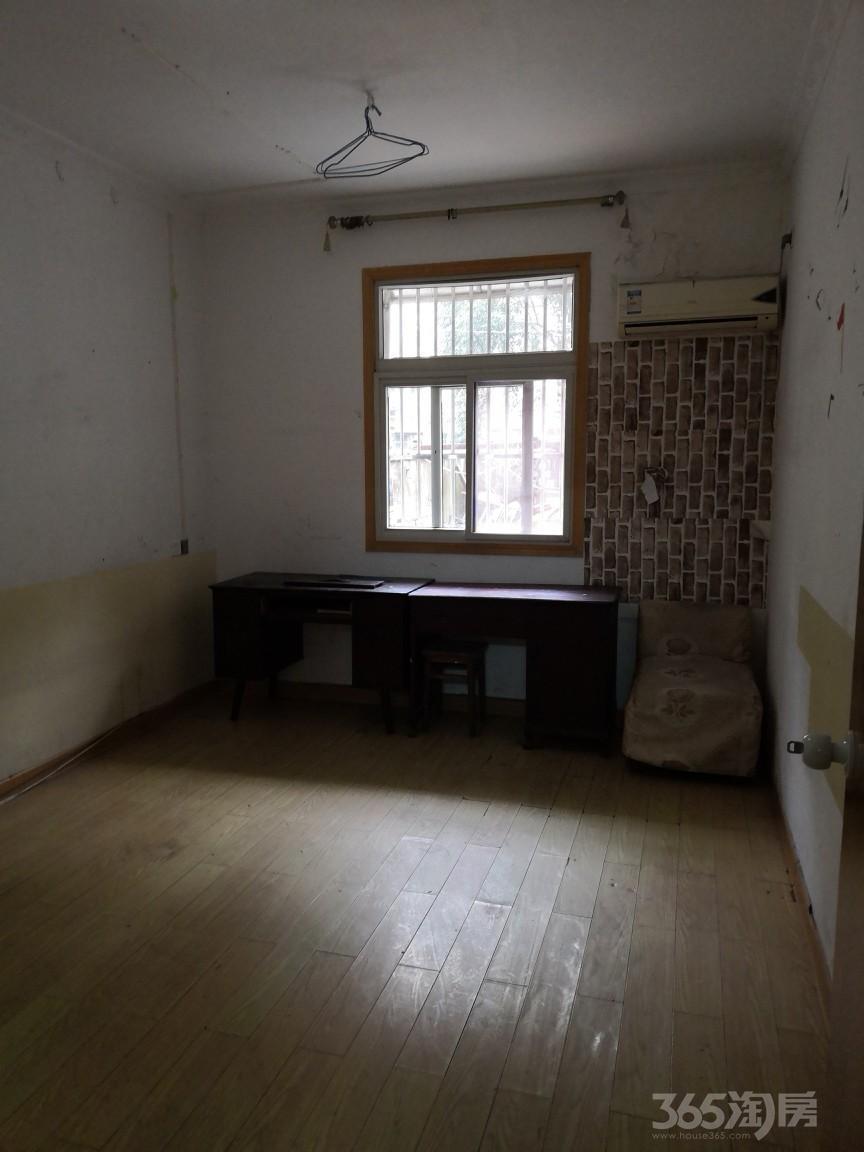 鸠江新村2室1厅1卫80平米94年产权房简装