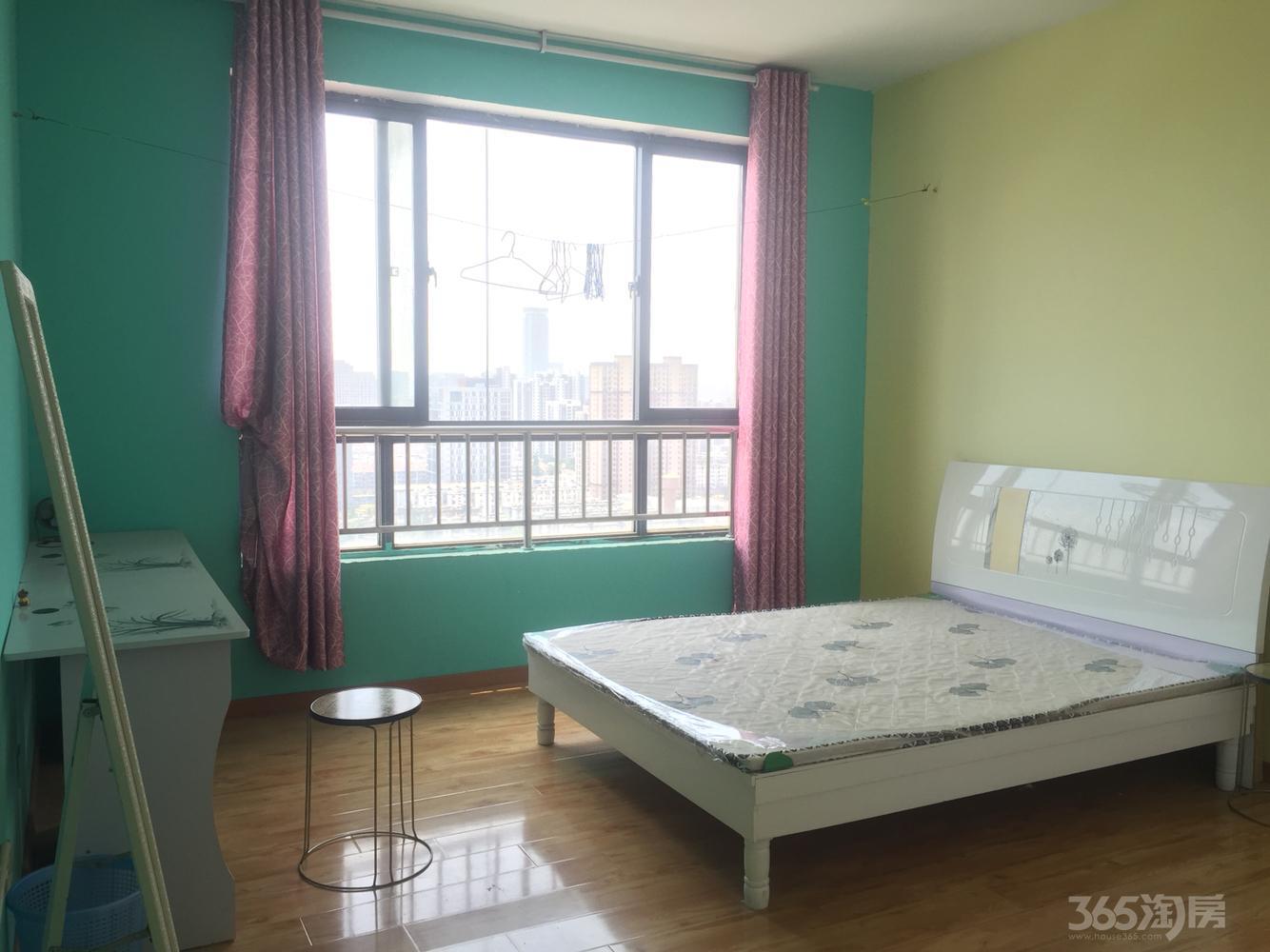 银杏苑3室2厅2卫34平米合租精装