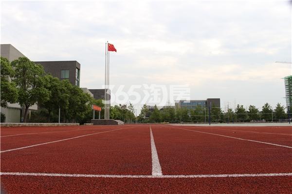 百合燕山公馆 新二中操场 201710