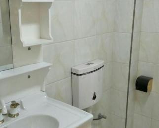 滴翠小区3室2厅2卫115平米2010年使用权房豪华装