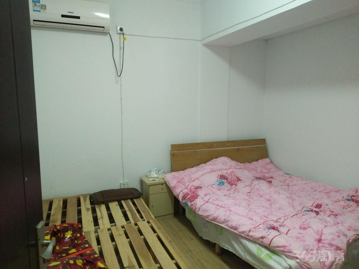 恒安嘉园1室1厅1卫30平米合租简装