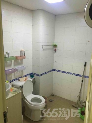 金陵世家1室1厅1卫45平米合租精装