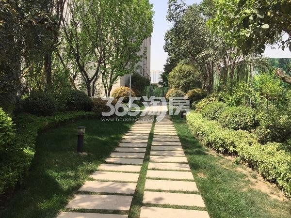 德杰德裕天下售楼部外实景图(拍摄于2018.4.3)
