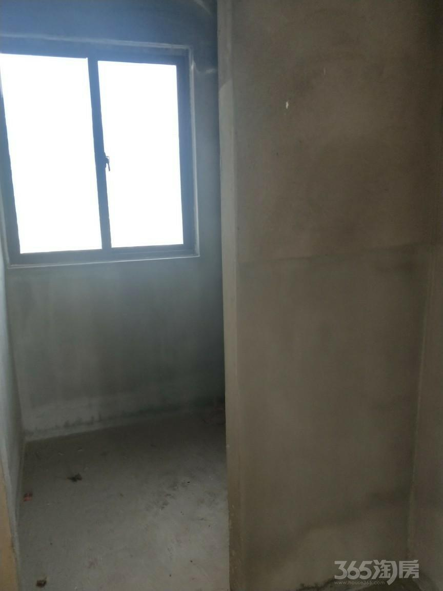 融邦・领秀国际3室2厅1卫89平米2013年产权房毛坯
