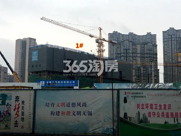 世茂时光里1#楼超高层工程进度实景图(2017.12摄)