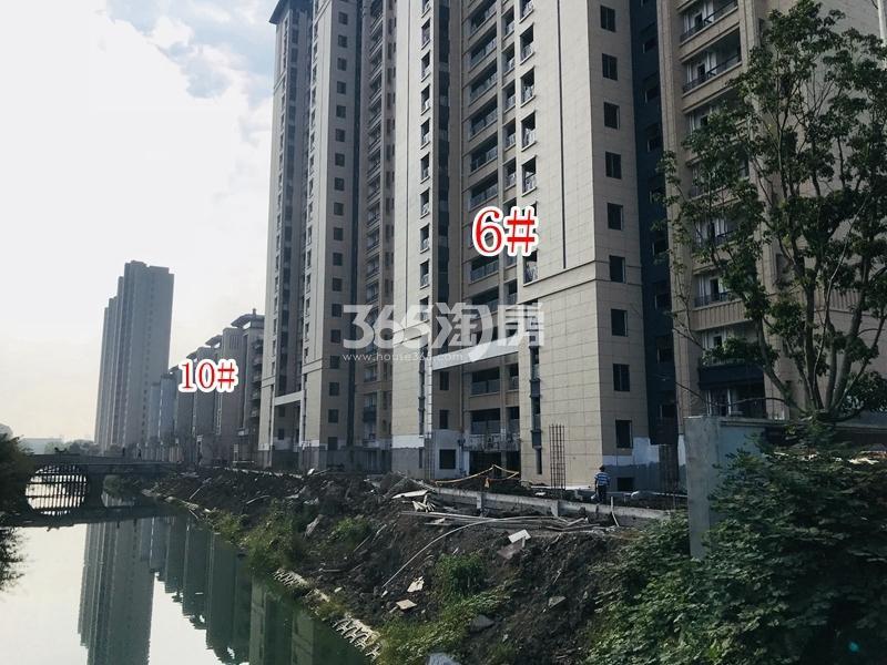 蓝光雍锦里6#、10#楼实景图(2018.10 摄)