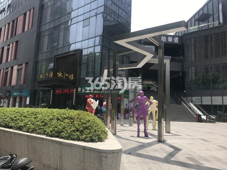 世茂外滩新城商业实景图(2.26)