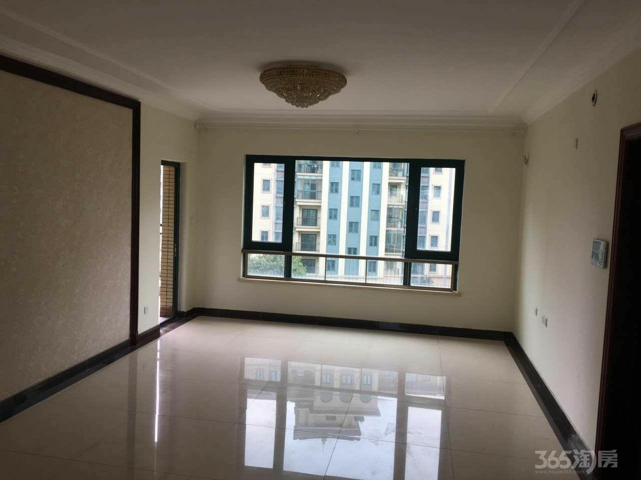 恒大金碧天下4室2厅2卫142平米2012年产权房精装