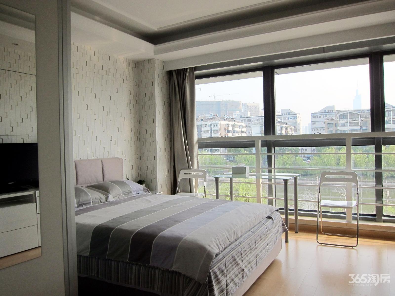 甲壳虫女子公寓超大落地窗36.81平米豪华装商住两用产权房