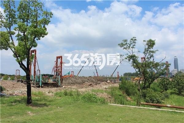华侨城欢乐滨江项目实景图(8.11)