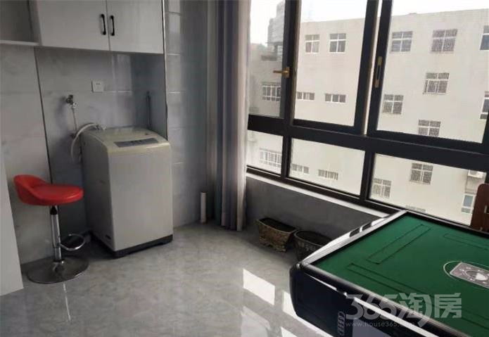 昆明路·世贸城3室2厅1卫90平米精装整租