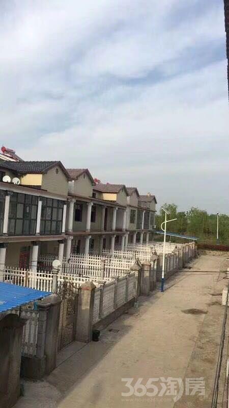 和平村6室6厅3卫205�O2015年产权房毛坯
