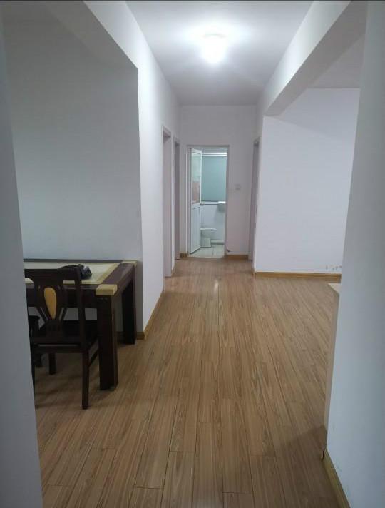 雨庭花园3室2厅1卫105平米整租精装