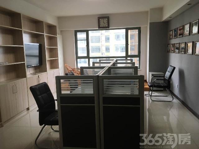 剑桥春雨小区3室2厅2卫158㎡整租精装带家电和办公座椅