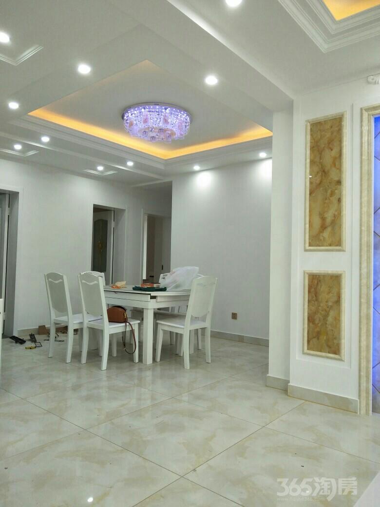 黄金花园3室2厅1卫102平米整租豪华装