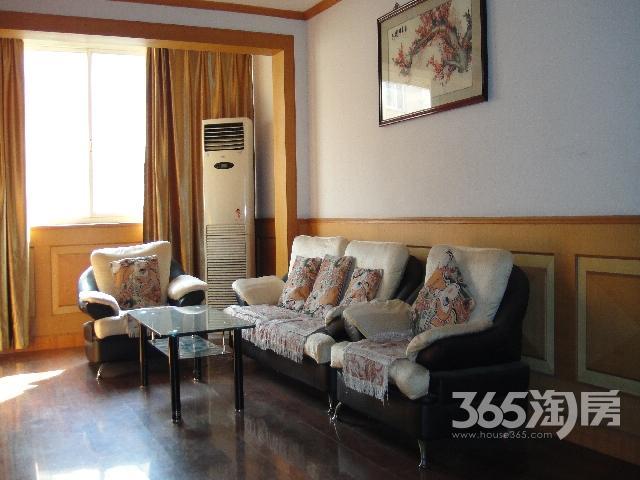 馨泰花园三室二厅二卫128.26平米(含汽车库自行车库)出售