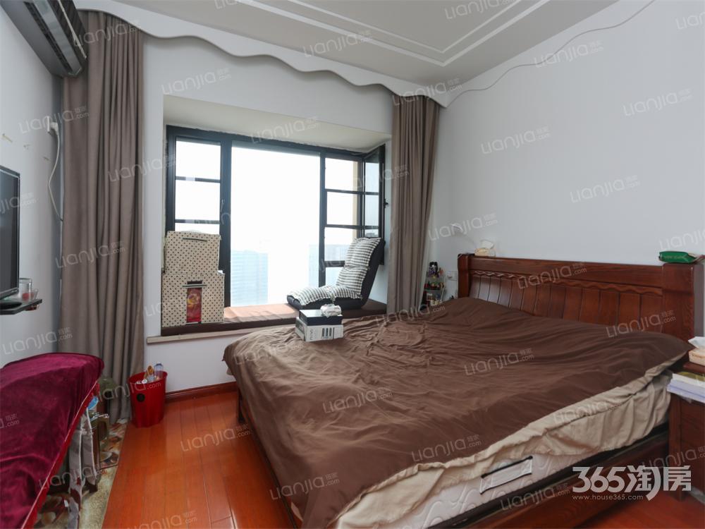 叠翠峰3室2厅2卫111㎡2014年满两年婚装豪华地铁房