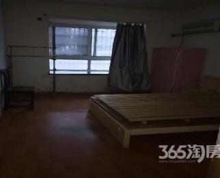 青龙苑3室2厅2卫120�O合租不限男女简装