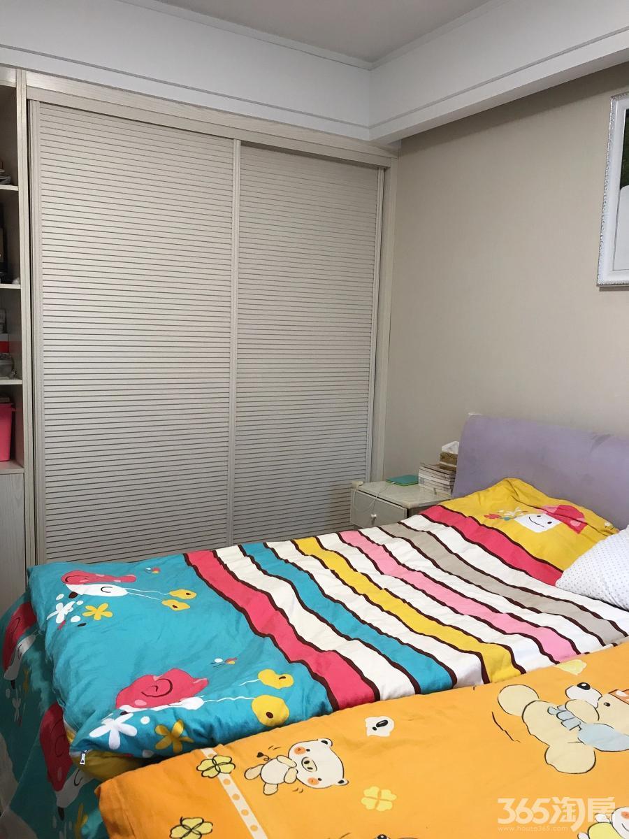 海峡城2室2厅1卫94平方产权房精装