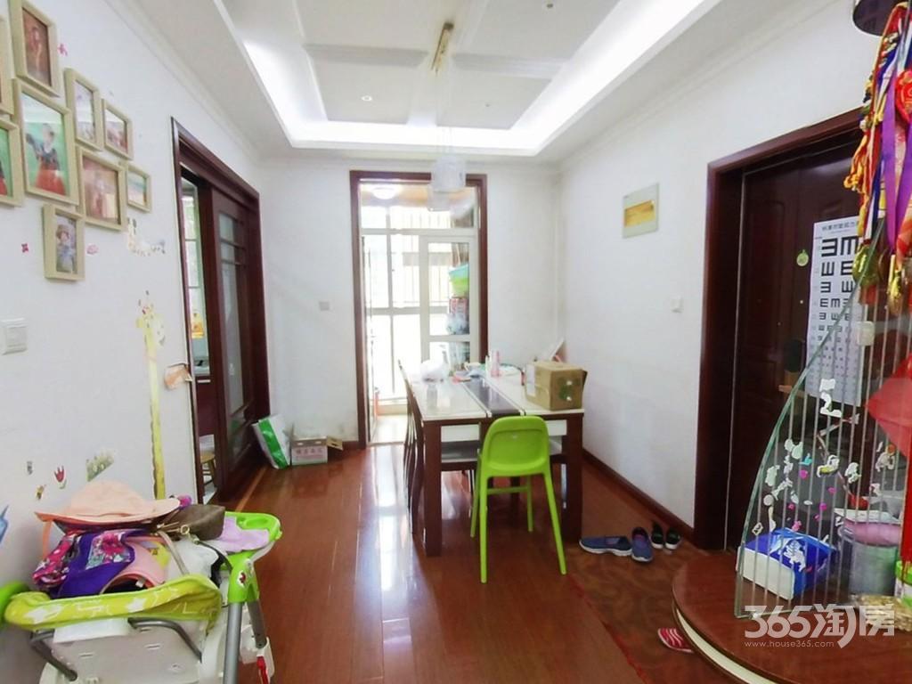 金王府小区3室2厅1卫121平方米388万元