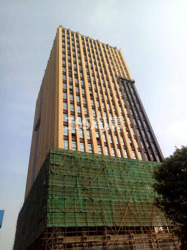 金龙湖广场公寓实景图1(12.1)