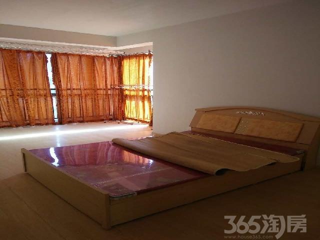 天山绿洲一期2室2厅1卫125�O整租中装