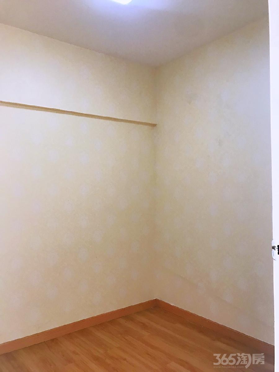 大东门商业步行街70平米整租精装