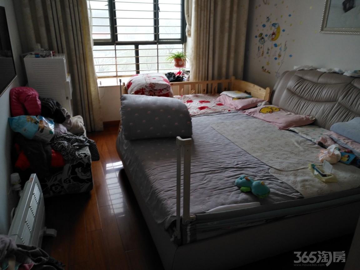 迎河碧水湾4室2厅2卫141平米2010年产权房精装