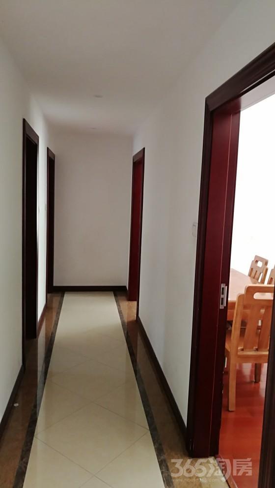 锡山区鸿景华庭3室2厅1卫110.1㎡