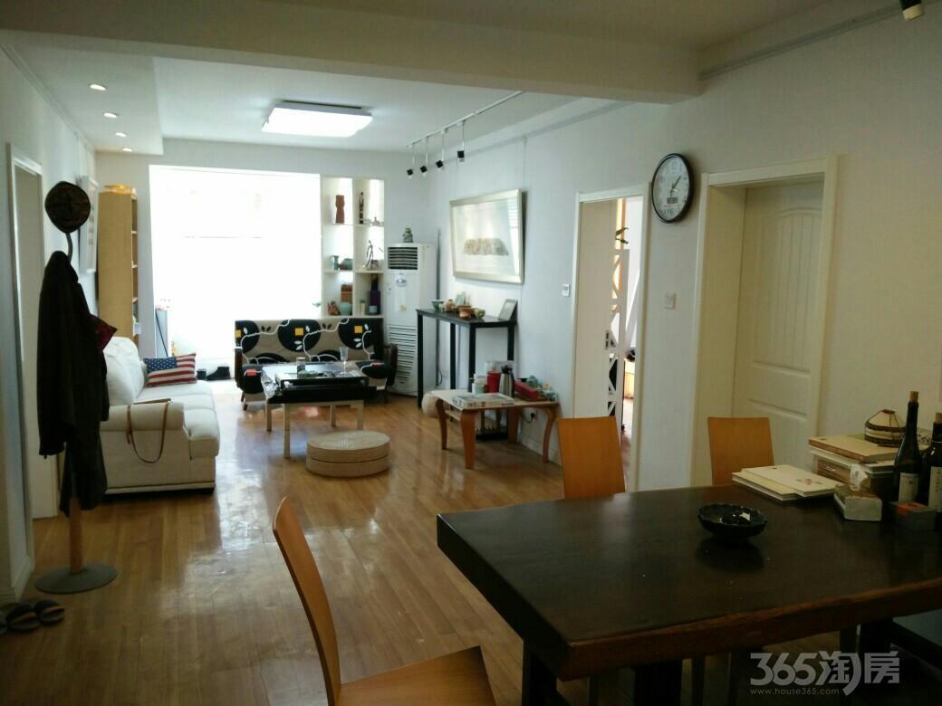 南师大茶苑3室2厅1卫111平米2002年产权房精装