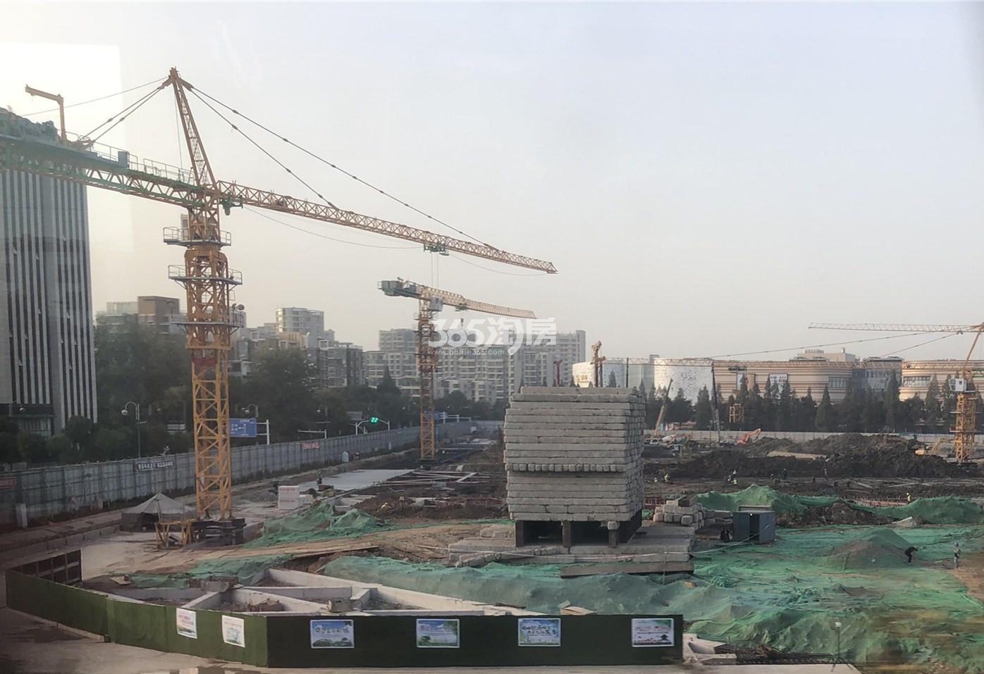 恒基旭辉玲珑翠谷旁在建的商业体苏宁广场(10.31)