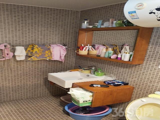 华邦锦绣华府2室2厅1卫85�O精装房出售