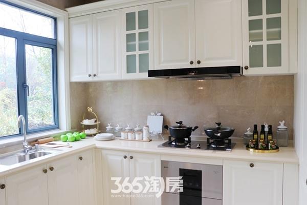 荣盛华府建面约137平样板间-厨房