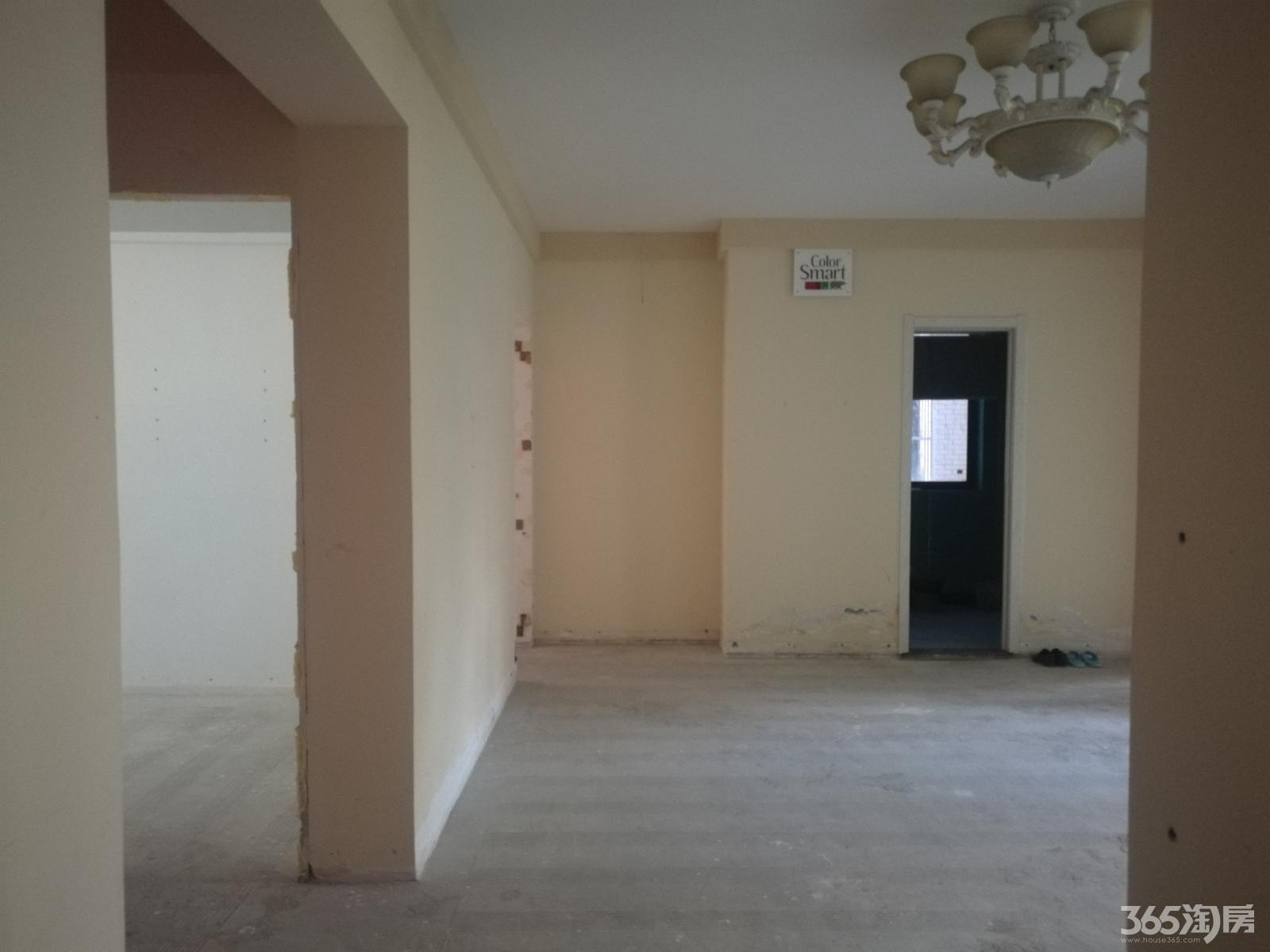 急售高尔夫国际花园3室2厅2卫162平方产权房毛坯