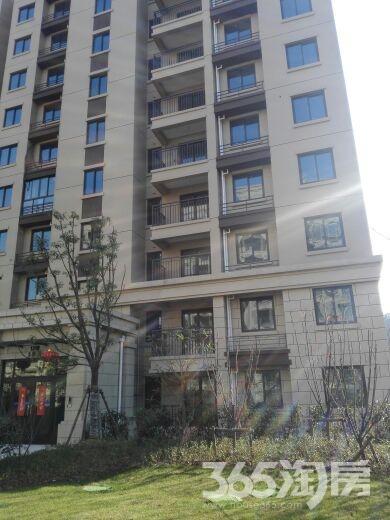 银亿东城4室2厅2卫147平米整租毛坯