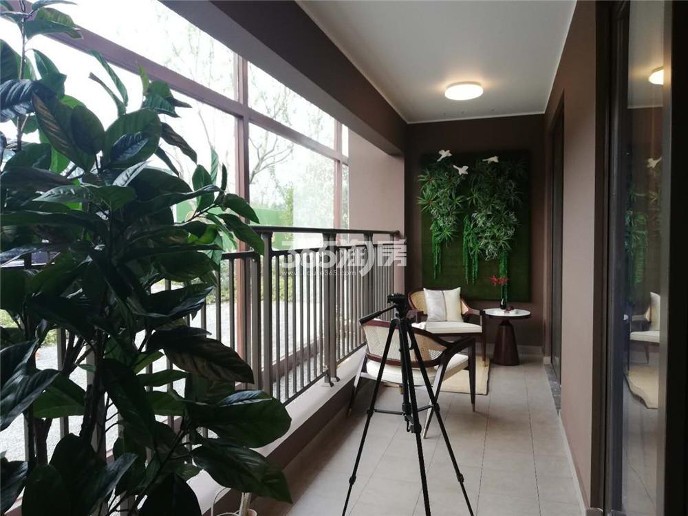 雅居乐御宾府140㎡户型样板间-阳台