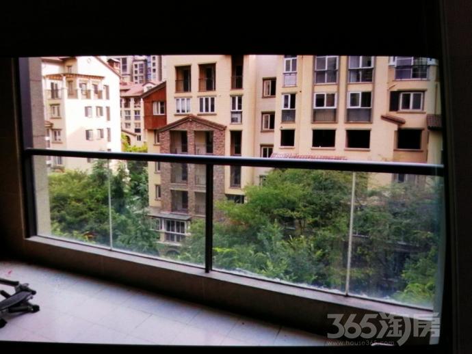 龙湖滟澜山3室2厅2卫120平米12年产权房简装