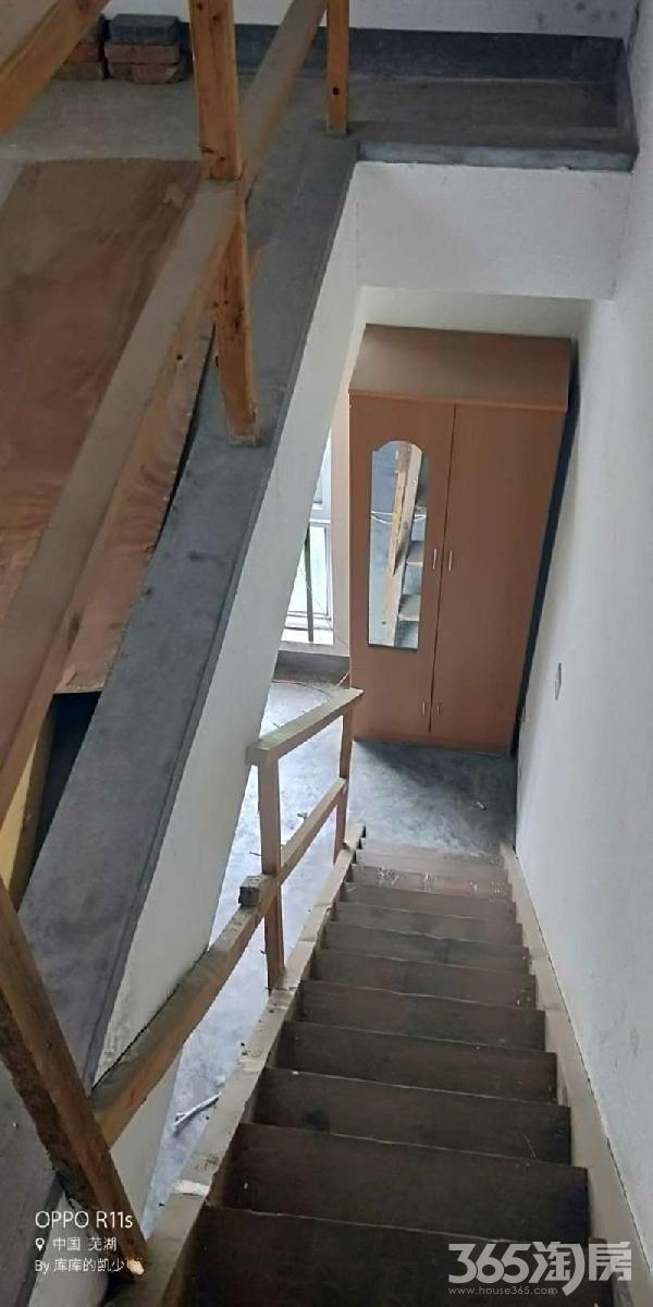 低价出租 性价比高 设施都有 使用面积大 有钥匙 随时看房