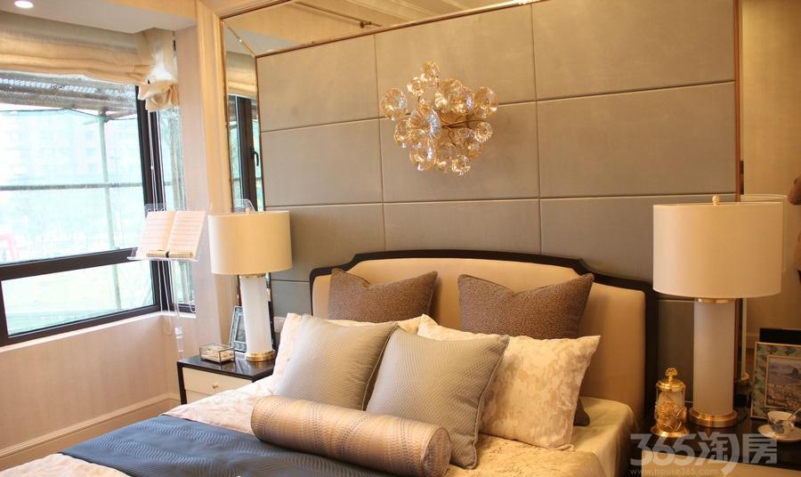 中南世纪城2室2厅1卫86�O2014年产权房精装