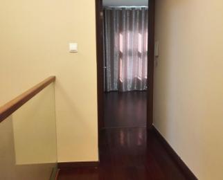 华府国际4室2厅3卫123.6平方米285万元