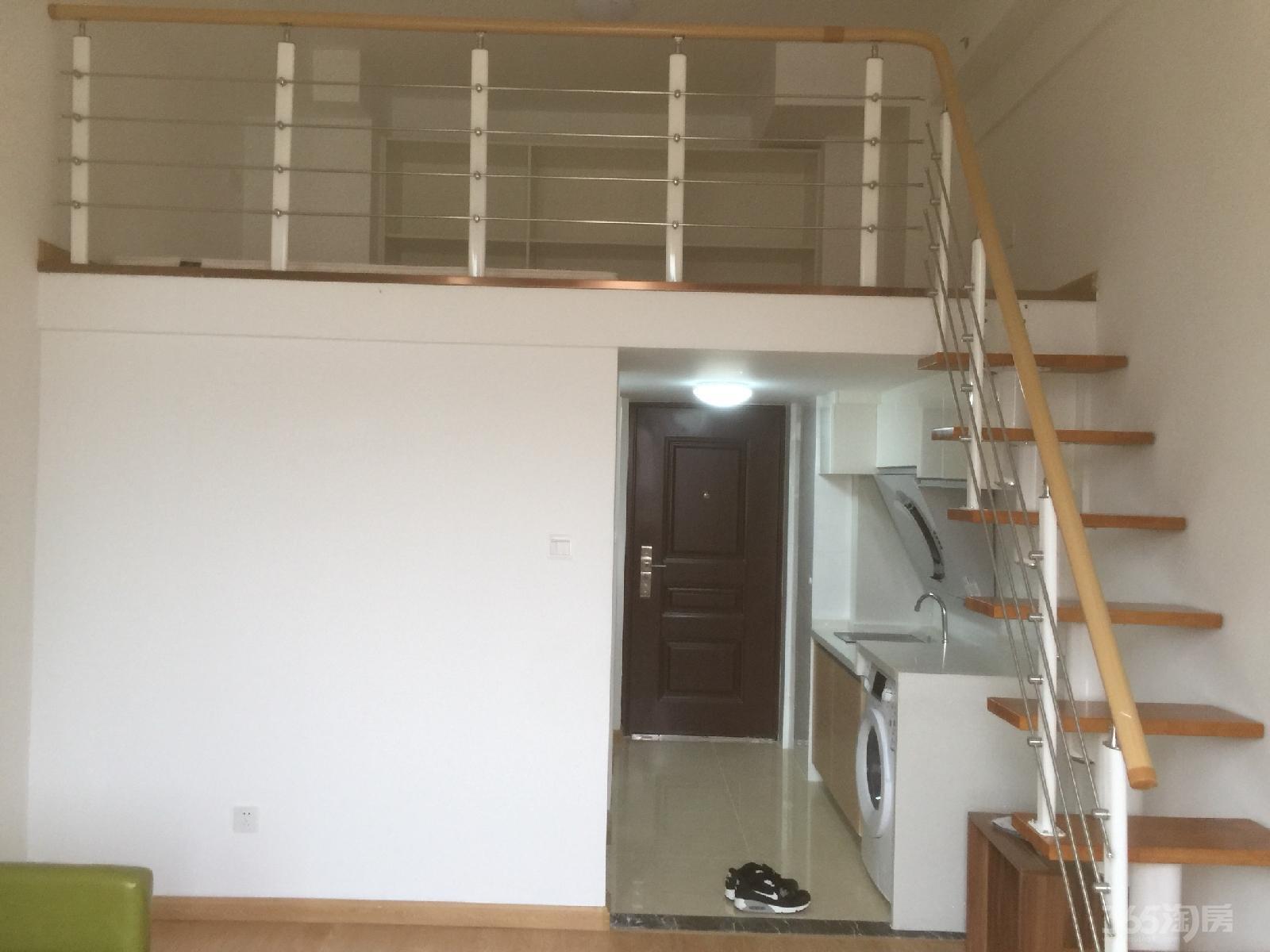 中南世纪雅苑1室1厅1卫38平米整租豪华装
