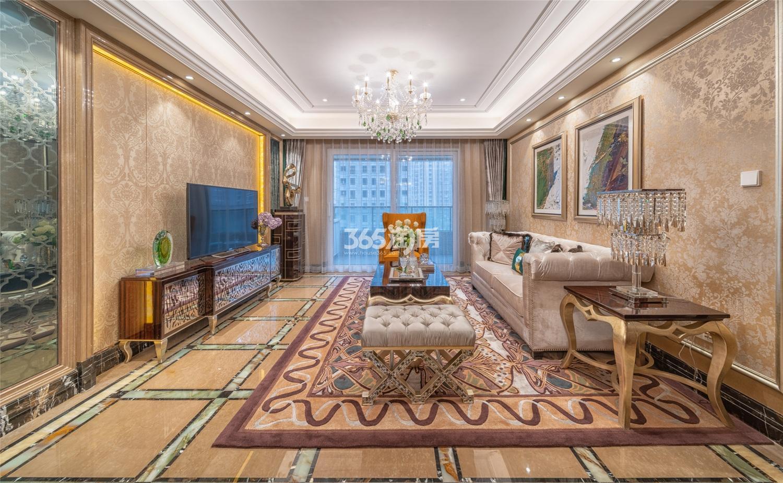 滨江保利翡翠海岸3#西边套159方(C2户型)古典风格样板房---客厅