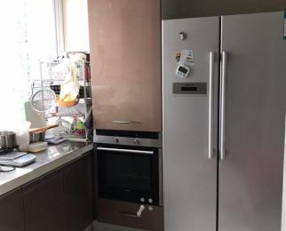 江雁依山郡3室2厅2卫130平米精装,含产权车位一个