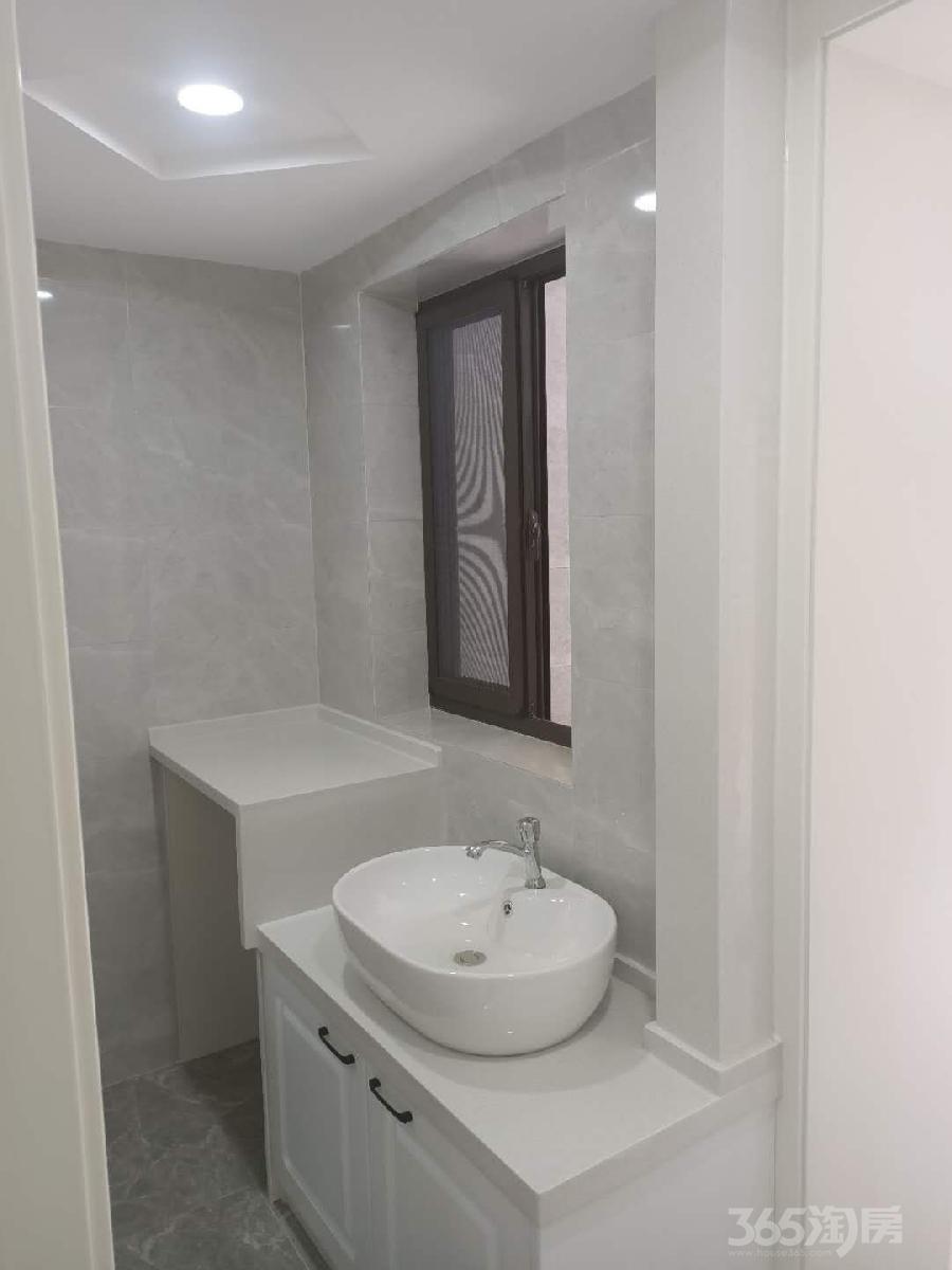 文津桥小区2室1厅1卫43平方米198万元