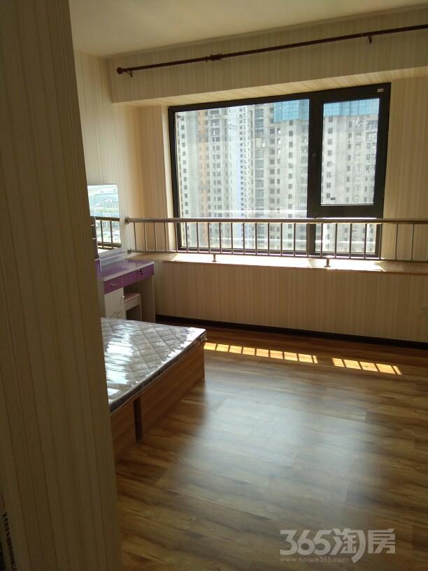 万海华府3室2厅2卫140平米合租精装